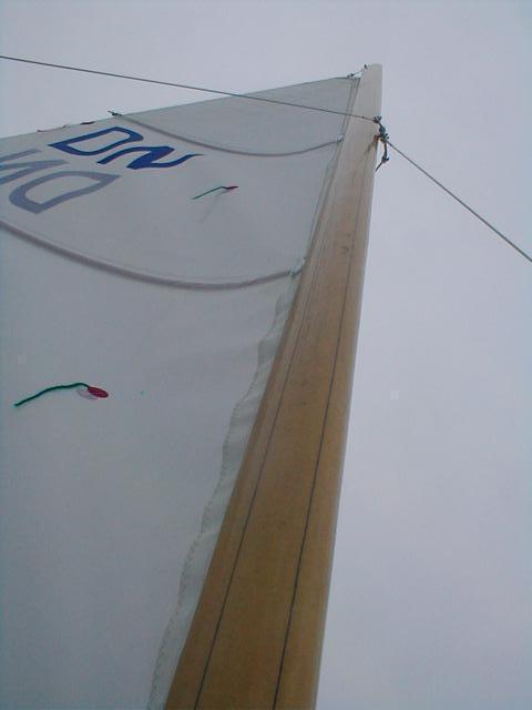 mast : wood look alike