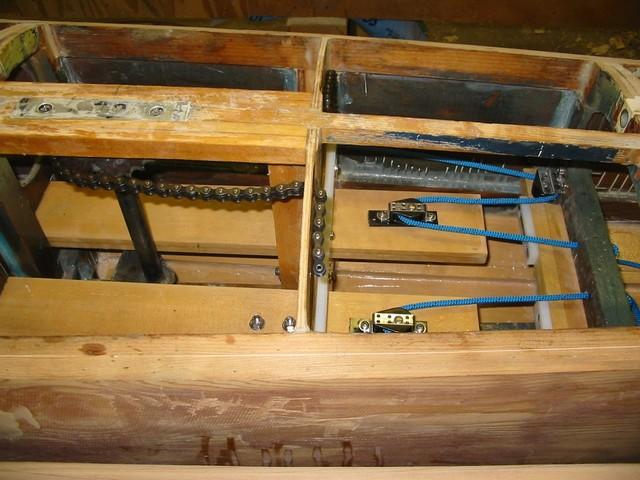 (2004-09-21a) Steering gear