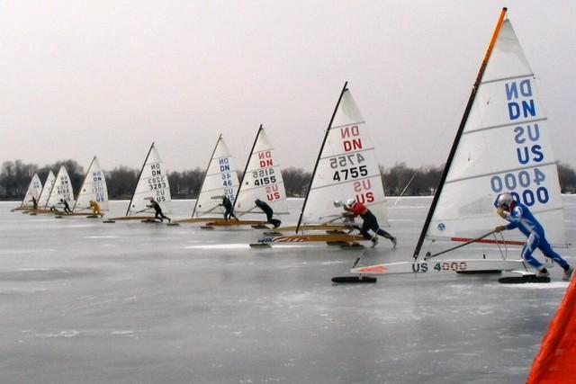 """Lake Wawasee, Syracuse, IN 02/27/05"" | iceboating.net"