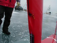 mast : guchi sail track feeder